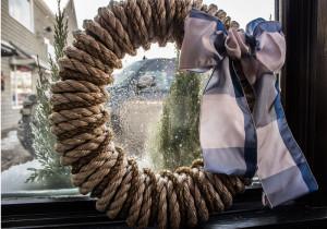 The Hampton Wreath, Plaid, two-tone